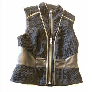 Bebe Vest Size 4 Color Black w/ front zipper